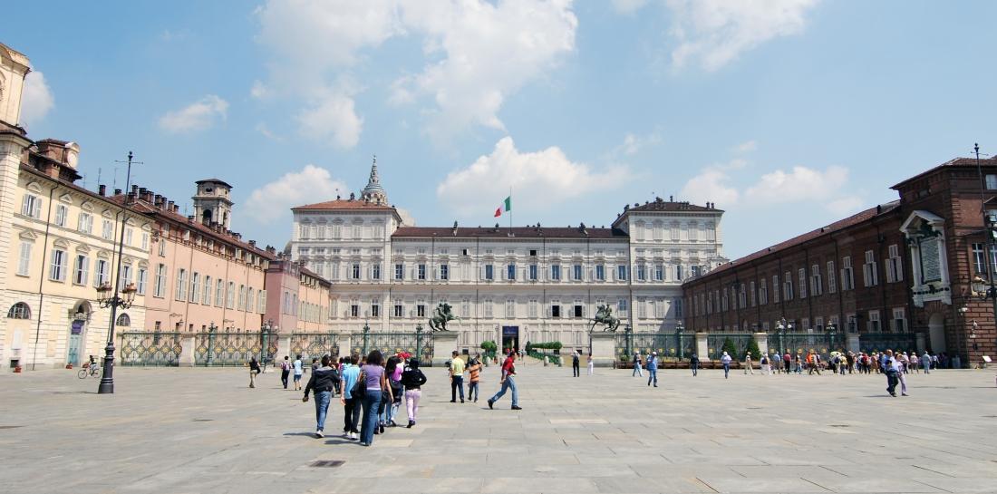 turin_piazza_costello